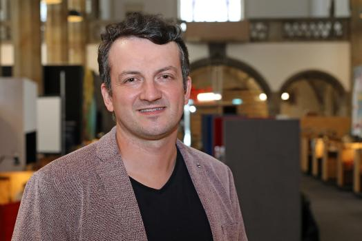 Dr. Christian Schröder