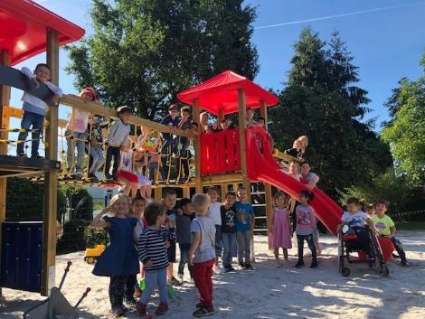 Klettergerüst Haus : Neues klettergerüst im familienzentrum st. peter und paul bistum